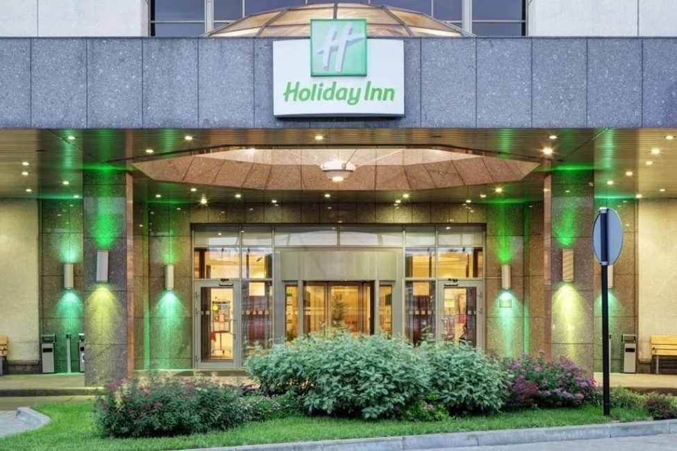 Проект ресторана в отеле по ТЗ. Отель Holiday Inn Сокольники, Москва. На фото центральный вход в отель.