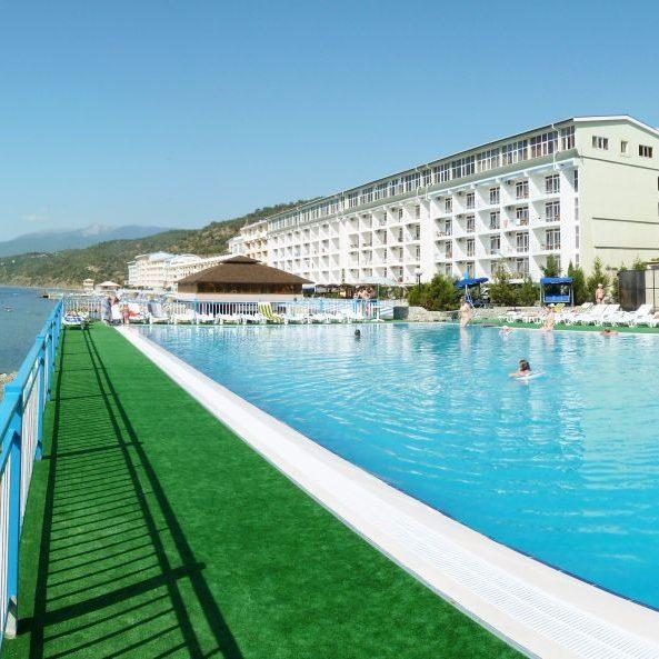 Комплексное оснащение промышленной прачечной от Profitex. Отель-пансионат «Морской», Алушта. На фото корпус отеля.