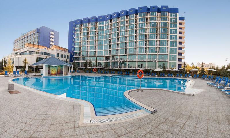 Профессиональное прачечное оборудование для отелей и гостиниц. SPA-Отель «Аквамарин» 5*, Севастополь. На фото здание отеля.
