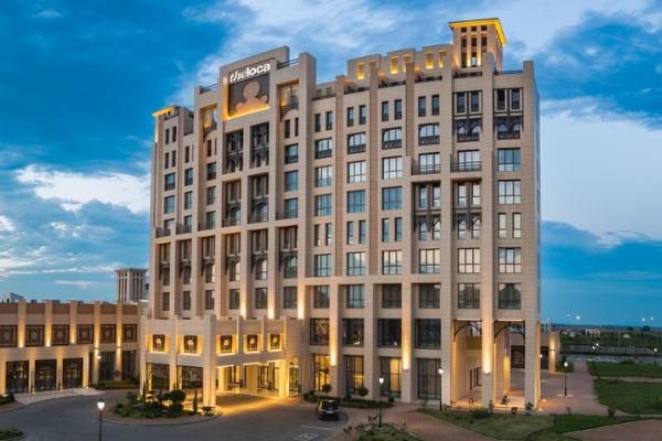 """Профессиональное оборудование для HoReCa от Profitex. Отель """"The Local"""", Грозный. На фото центральный вход в отель."""